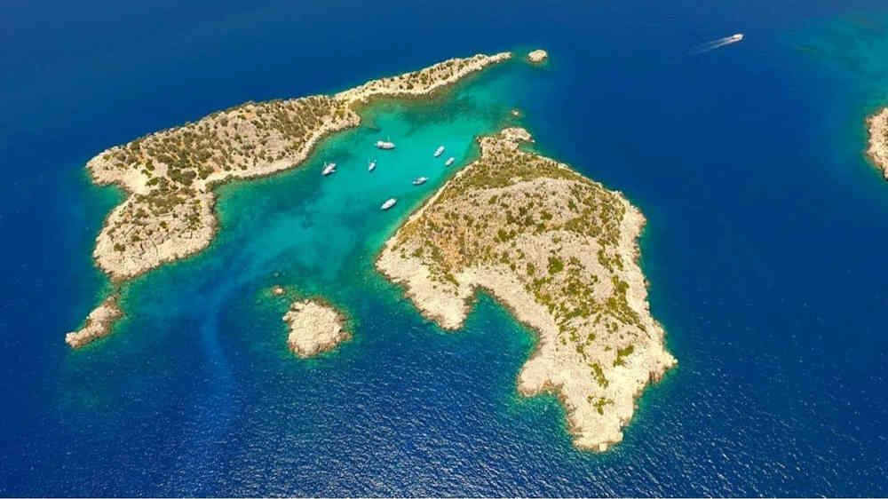 2-4_Türkei-Luxus-Yachtcharter-Yacht-Mieten-Luxus_3