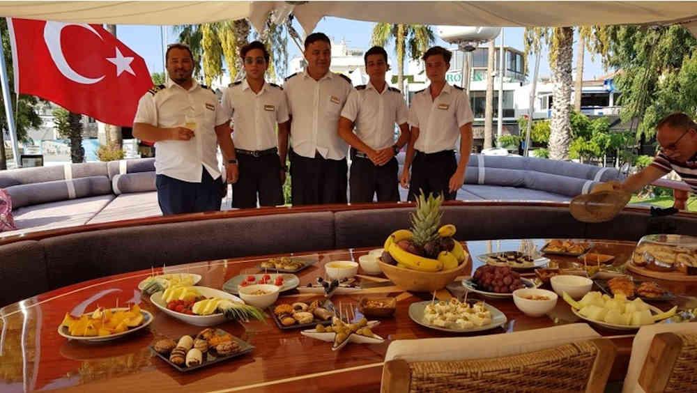 2-4_Türkei-Luxus-Yachtcharter-Yacht-Mieten-Luxus_4