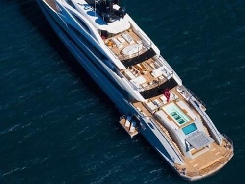 01-Mega-Motoryacht-Charter-Mieten_1