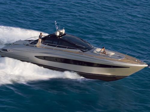 01-Motoryacht-Charter-Mieten