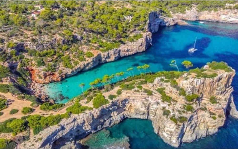 2-5_Mallorca-Ibiza-Yachtcharter-Yacht-Mieten-Executive-Yachting_4