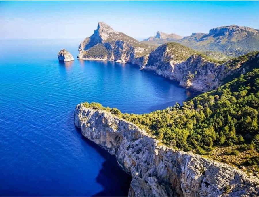 2-5_Mallorca-Ibiza-Yachtcharter-Yacht-Mieten-Executive-Yachting_5