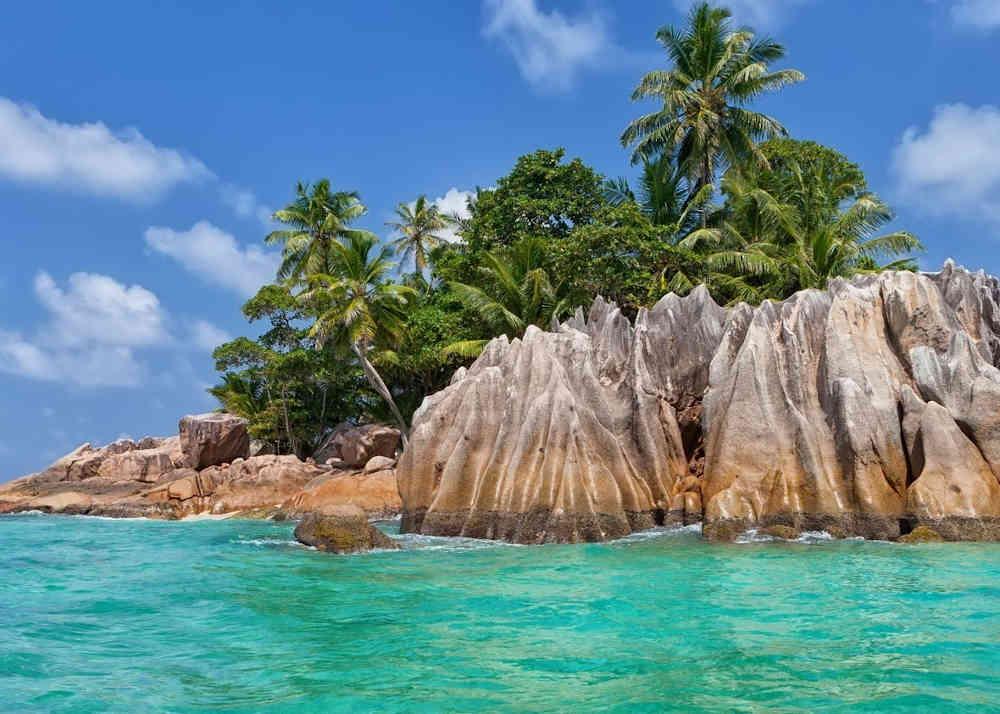 3_Seychellen-Yachtcharter-Yacht-Mieten-Luxus_00