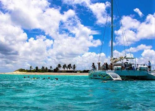4_Karibik-Yacht-Charter-Mieten-Luxus-Anguilla_1