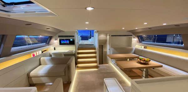 11_CNB-76-66-Yacht-Charter-Mieten_5