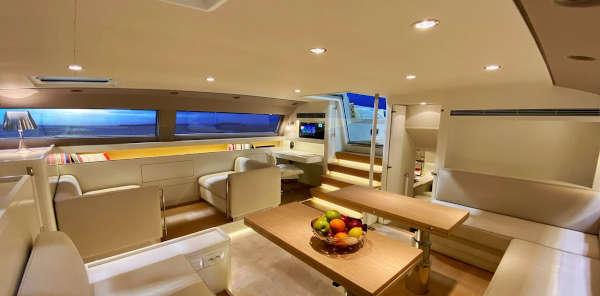 11_CNB-76-66-Yacht-Charter-Mieten_6