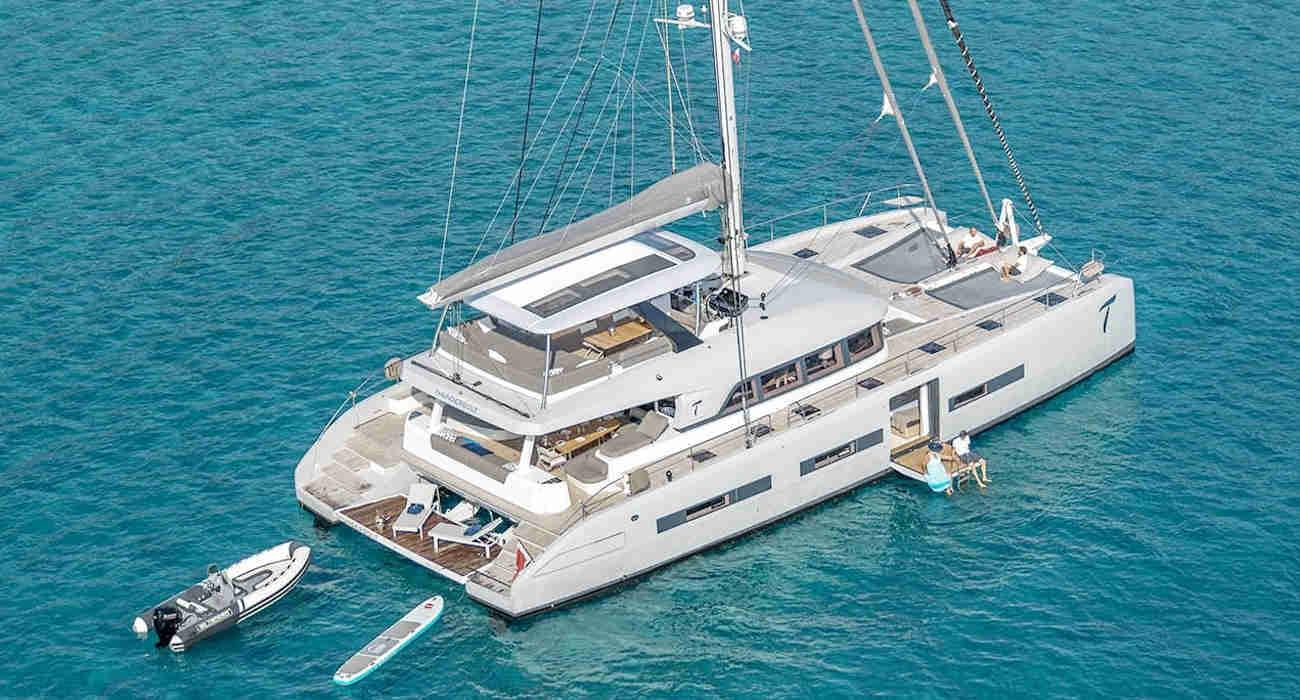 32_Lagoon-77-Luxus-Katamaran-Charter-Mieten_01