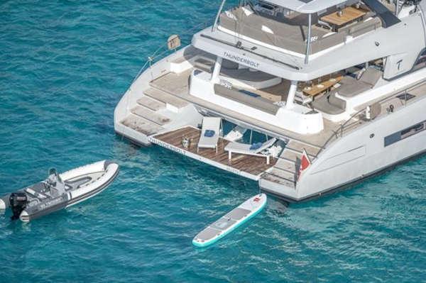 32_Lagoon-77-Luxus-Katamaran-Charter-Mieten_03