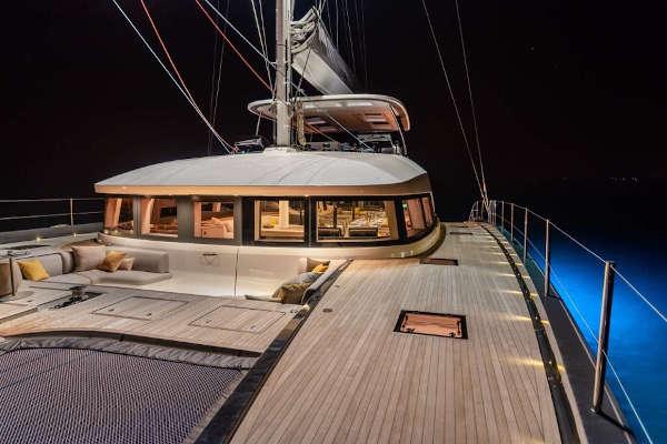 32_Lagoon-77-Luxus-Katamaran-Charter-Mieten_09