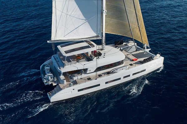 32_Lagoon-77-Luxus-Katamaran-Charter-Mieten_10