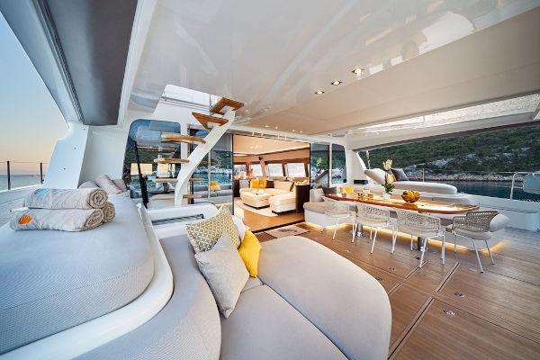 32_Lagoon-77-Luxus-Katamaran-Charter-Mieten_15
