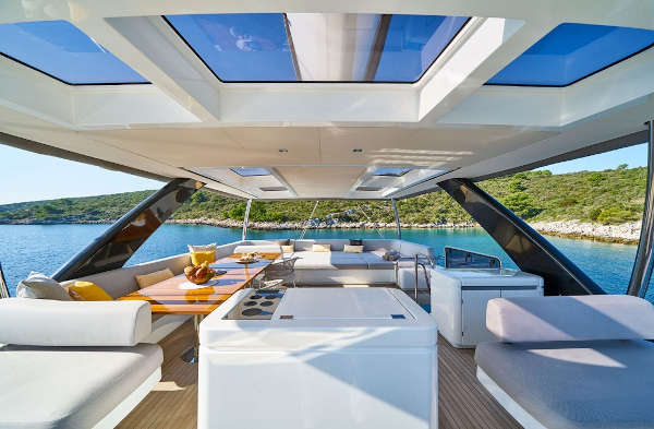 32_Lagoon-77-Luxus-Katamaran-Charter-Mieten_18