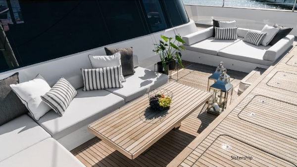 42_Sunreef-80-Luxus-Katamaran-Charter-Mieten_06