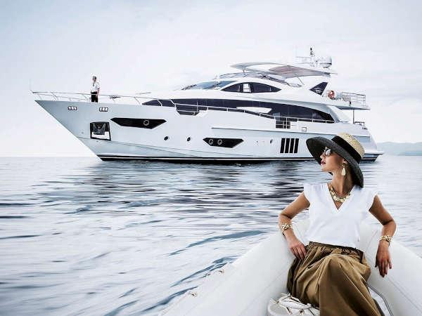 001-Luxus-Motoryacht-Charter-Mieten_03