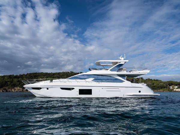001-Luxus-Motoryacht-Charter-Mieten_04