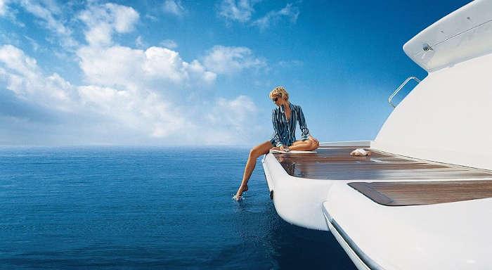 001-Luxus-Motoryacht-Charter-Mieten_07