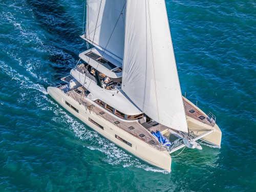 100_Luxus-Katamaran-Lagoon-65-Charter-Mieten_02