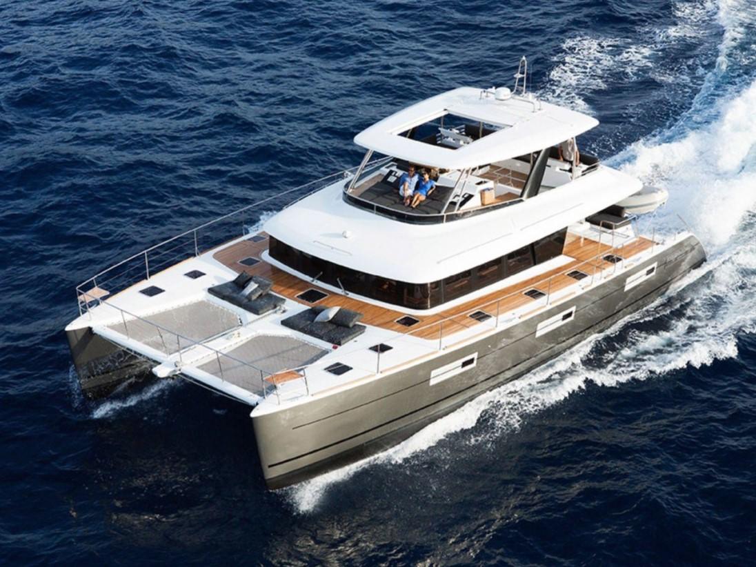 100_Luxus-Katamaran-Lagoon-630-Charter-Mieten_05