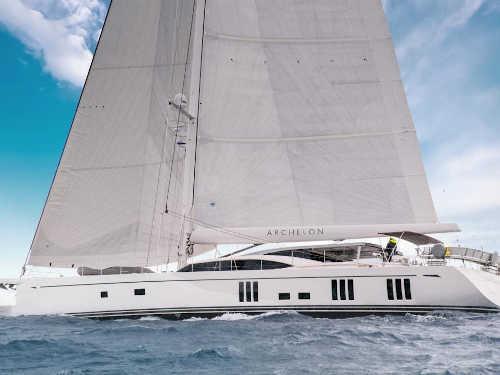 201_Luxus-Segelyacht-Oyster-Yacht-Charter-Mieten_01