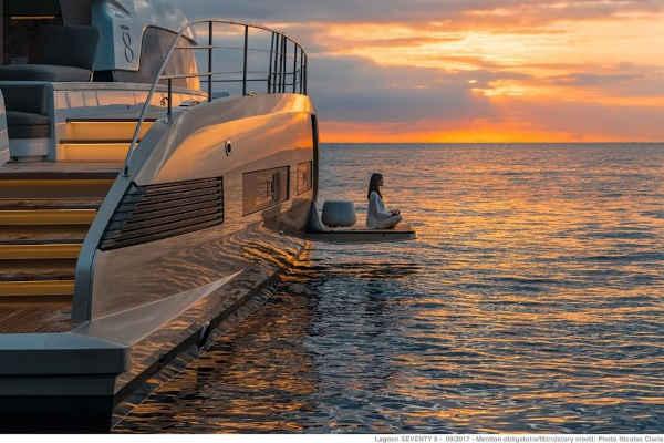 38_Lagoon-78-Power-Motor-Katamaran-Mieten-Charter_11